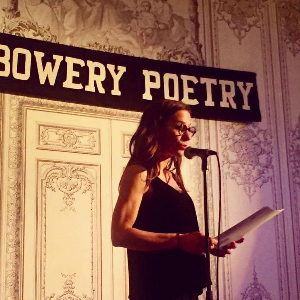 se buscan poetas